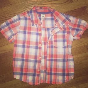 Red plaid button down in excellent condition!